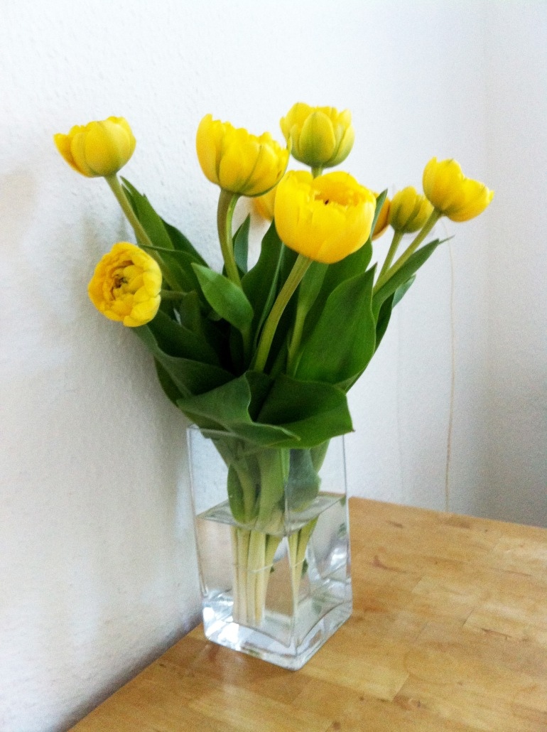 3 tulips arinda blotted line illustration